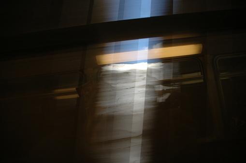 鉄道・列車「Series of images taken through a train window in Switzerland」:スマホ壁紙(13)