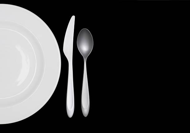 Half a white plate on black w silverware:スマホ壁紙(壁紙.com)