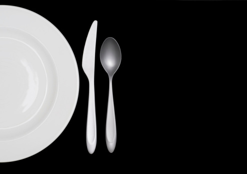 Crockery「Half a white plate on black w silverware」:スマホ壁紙(10)