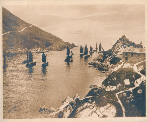 20th Century Style「Polperro Harbour & Peak Rocks', 1927」:写真・画像(8)[壁紙.com]