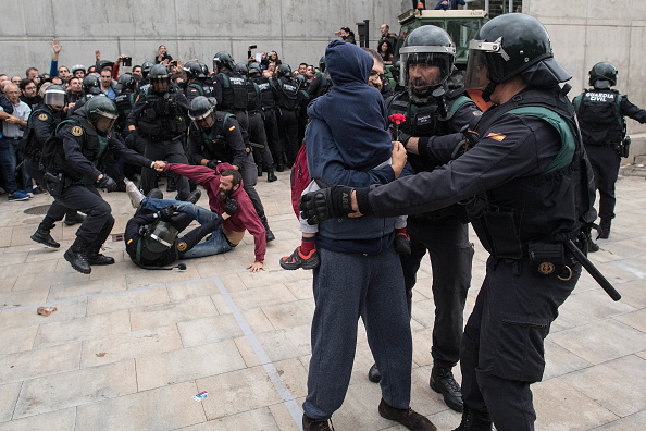 Catalonia「Independence Referendum Takes Place In Catalonia」:写真・画像(16)[壁紙.com]