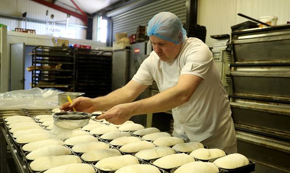 Loaf of Bread「UK In Sixth Week Of Coronavirus Lockdown」:写真・画像(1)[壁紙.com]