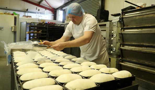 Loaf of Bread「UK In Sixth Week Of Coronavirus Lockdown」:写真・画像(8)[壁紙.com]