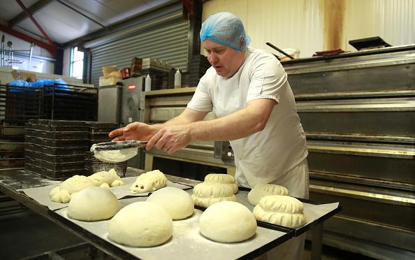 Loaf of Bread「UK In Sixth Week Of Coronavirus Lockdown」:写真・画像(14)[壁紙.com]