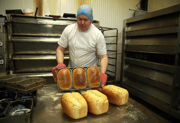 Loaf of Bread「UK In Sixth Week Of Coronavirus Lockdown」:写真・画像(15)[壁紙.com]