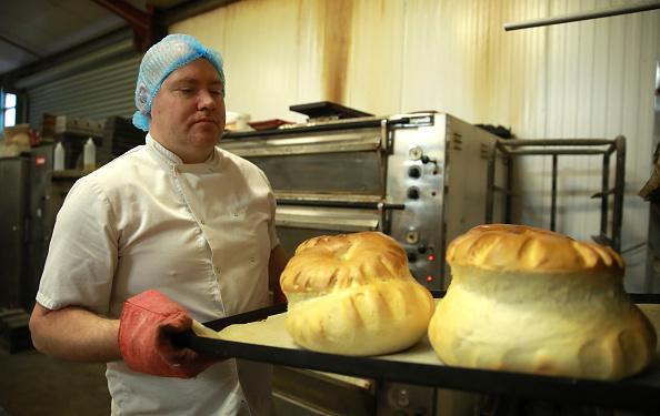 Loaf of Bread「UK In Sixth Week Of Coronavirus Lockdown」:写真・画像(11)[壁紙.com]