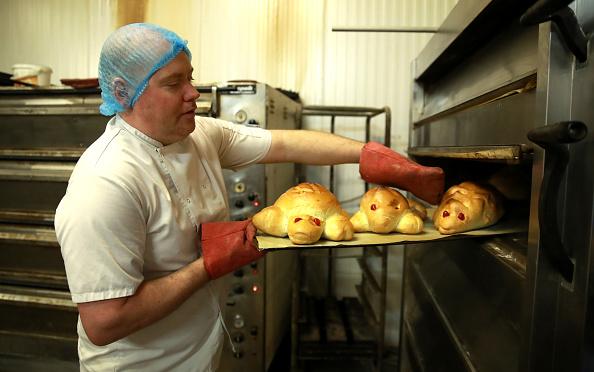 Loaf of Bread「UK In Sixth Week Of Coronavirus Lockdown」:写真・画像(13)[壁紙.com]