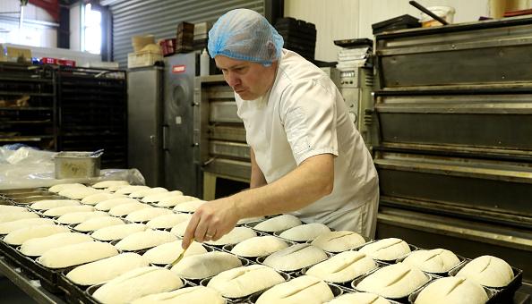 Loaf of Bread「UK In Sixth Week Of Coronavirus Lockdown」:写真・画像(10)[壁紙.com]
