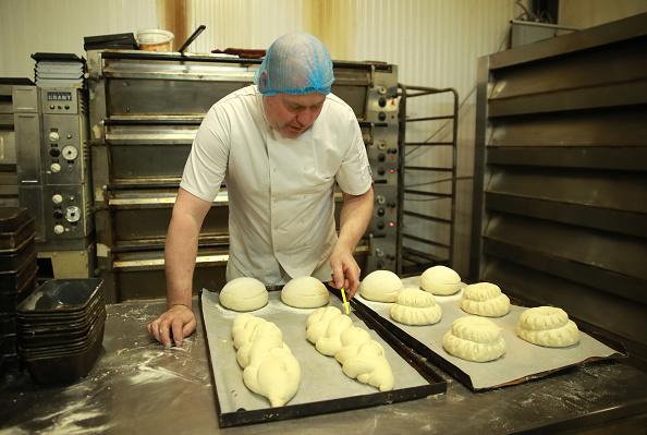 Loaf of Bread「UK In Sixth Week Of Coronavirus Lockdown」:写真・画像(2)[壁紙.com]