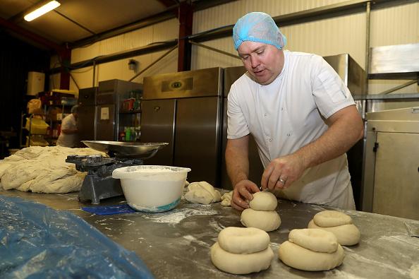 Loaf of Bread「UK In Sixth Week Of Coronavirus Lockdown」:写真・画像(4)[壁紙.com]