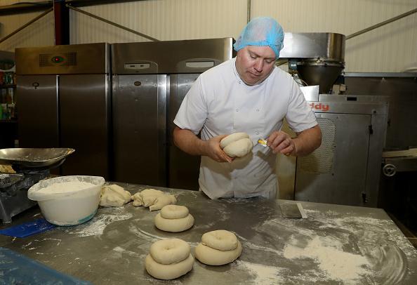 Loaf of Bread「UK In Sixth Week Of Coronavirus Lockdown」:写真・画像(3)[壁紙.com]