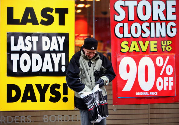 Glasgow - Scotland「Last Minute Sales For Borders As They Close Their Doors For The Last Time」:写真・画像(6)[壁紙.com]