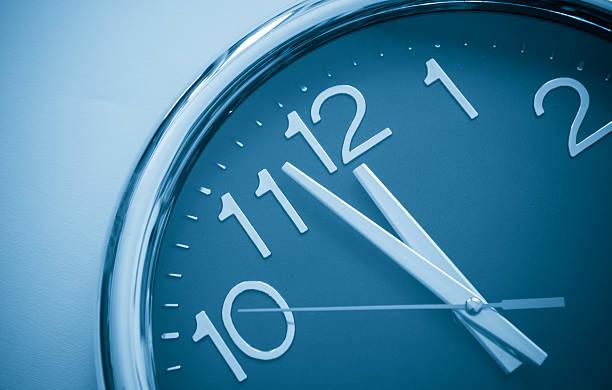 Last Minute , right on time:スマホ壁紙(壁紙.com)