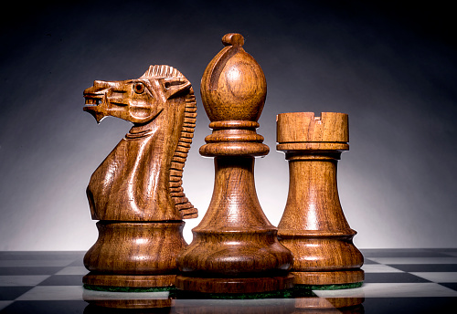 Horse「three chess men」:スマホ壁紙(19)