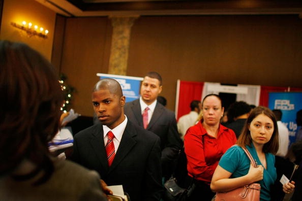 Davie - Florida「People Search For Employment, As Number Of Jobless Claims Passes 5 Million」:写真・画像(14)[壁紙.com]