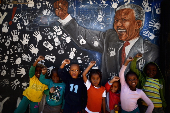 Mural「Concern For Nelson Mandela Continues As He Battles A Lung Infection」:写真・画像(11)[壁紙.com]