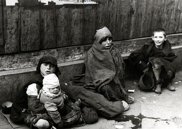 モノクロ「Warsaw Ghetto」:写真・画像(9)[壁紙.com]