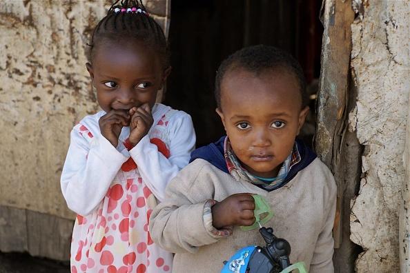 Toddler「Mathare Children」:写真・画像(2)[壁紙.com]