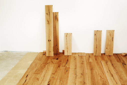 Leaning「Laying finished oak parquet flooring, close-up」:スマホ壁紙(3)