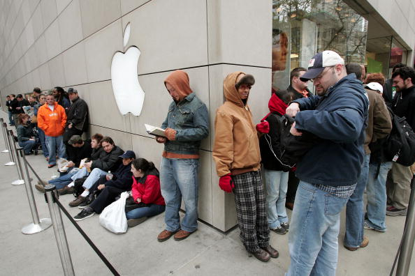 """Waiting「Apple Releases Its New """"Tiger"""" Operating System」:写真・画像(10)[壁紙.com]"""