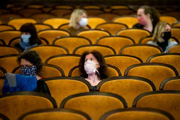 Movie「Czech Republic Further Eases Its Coronavirus Lockdown」:写真・画像(3)[壁紙.com]