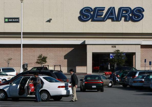 Sears Roebuck And Company「Sears Posts A 146 Million Dollar Loss For Third Quarter」:写真・画像(2)[壁紙.com]