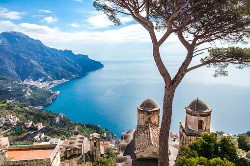 Amalfi Coast「Italy, Campania, Amalfi Coast, Ravello, view of Amalfi Coast with Santa Maria delle Grazie church facing Mediterranean sea」:スマホ壁紙(19)