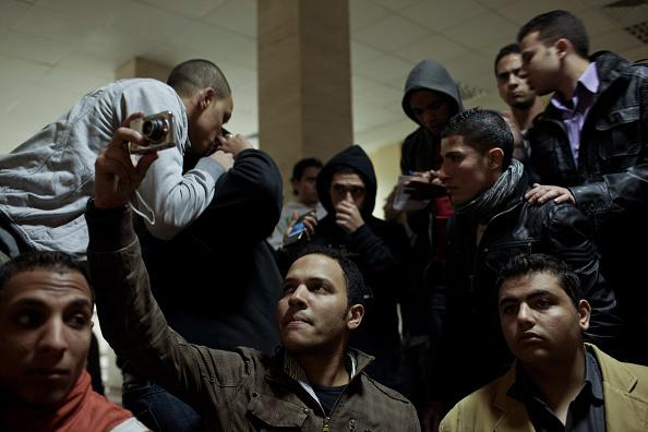 Giles「Egypt Mourns Dead After Football Clash」:写真・画像(18)[壁紙.com]