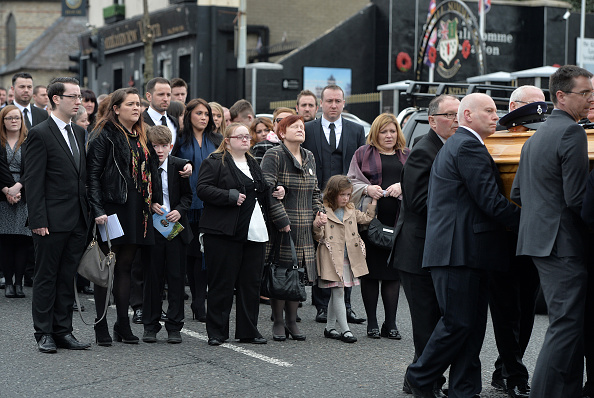 Booby Trap「Funeral Of Murdered Prison Officer Takes Place In Belfast」:写真・画像(19)[壁紙.com]