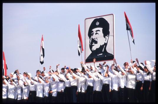 Patriotism「Iraq Prepares for War」:写真・画像(14)[壁紙.com]