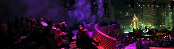Columbus Circle「Ring Them Bells!」:写真・画像(5)[壁紙.com]