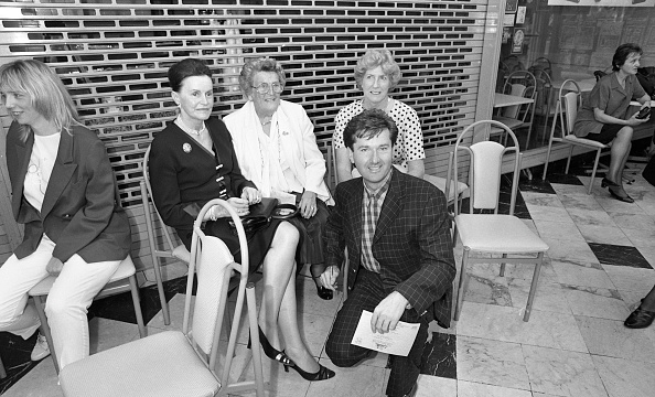 County Donegal「Daniel O'Donnell Opens the Donegal Shop in St Stephen's Green Shopping Centre 1996」:写真・画像(18)[壁紙.com]