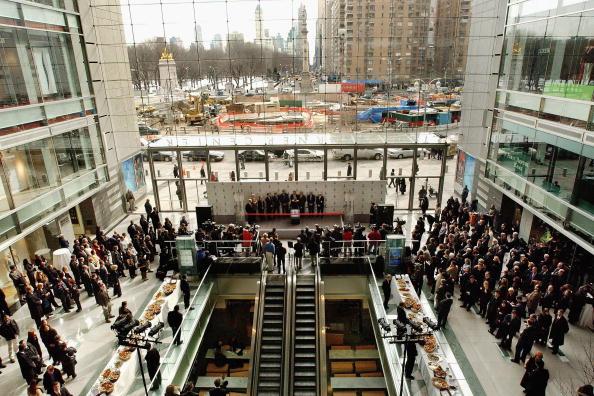 Columbus Circle「Time Warner Center Opens In New York CIty」:写真・画像(2)[壁紙.com]