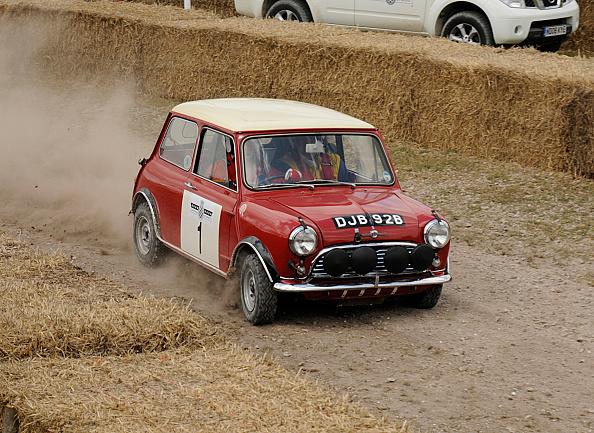 Rally Car Racing「2009 Morris Mini Cooper S, Goodwood Festival of speed」:写真・画像(9)[壁紙.com]