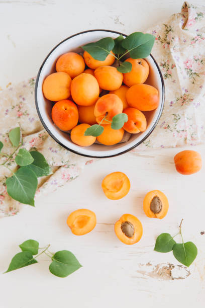 Apricots in bowl:スマホ壁紙(壁紙.com)