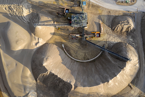 Belt「Processing machine in a sand quarry, aerial view」:スマホ壁紙(11)