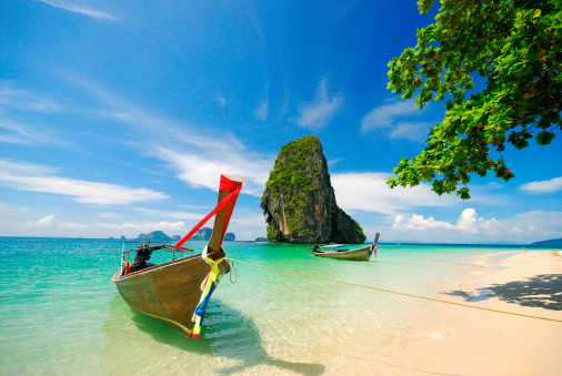Island「Thailand, Krabi, Boats on shore」:スマホ壁紙(14)