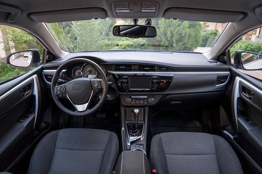 Steering Wheel「View of modern car interior」:スマホ壁紙(16)