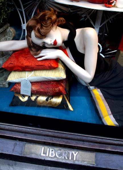 Window Frame「Christmas Window Display At Liberty In London」:写真・画像(17)[壁紙.com]