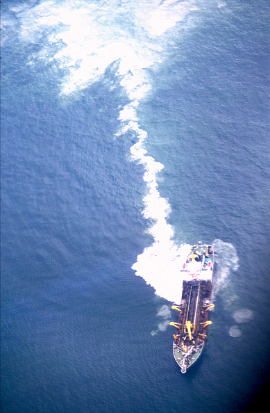 Environmental Damage「Ship clearing out tanks, Gulf of Mexico」:写真・画像(18)[壁紙.com]