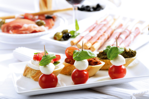 Parma - Italy「Grissini with parma ham and olives and mozzarella with tomatoes, italian starters」:スマホ壁紙(14)