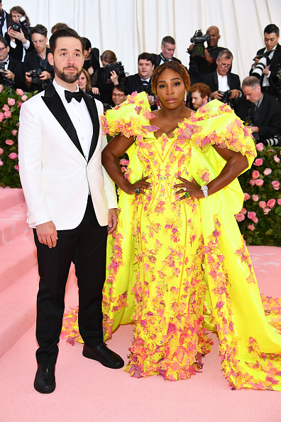 Yellow Dress「The 2019 Met Gala Celebrating Camp: Notes on Fashion - Arrivals」:写真・画像(2)[壁紙.com]