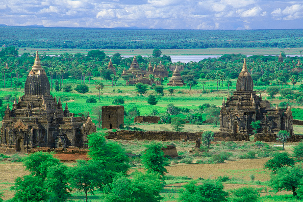 Brick Wall「Wats temples. Pagan, Burma Myanmar.」:写真・画像(17)[壁紙.com]