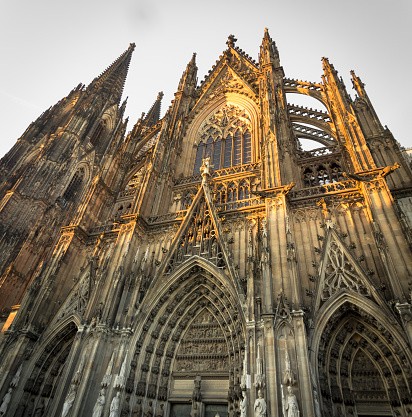 Cathedral「Germany, Cologne, view of Southern side of Cologne Cathredal by sunset」:スマホ壁紙(6)