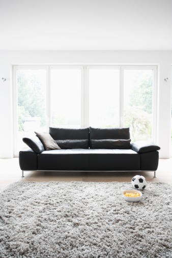 Cologne「Germany, Cologne, Football and chips in front of couch」:スマホ壁紙(18)