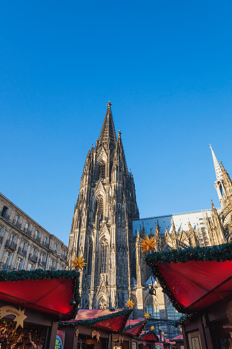 star sky「Germany, Cologne, Christmas market at Cologne Cathedral」:スマホ壁紙(9)