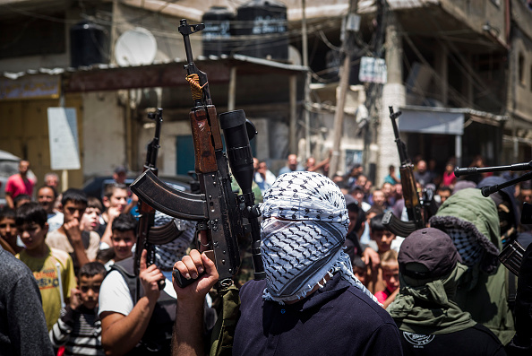 Gunman「Funeral Is Held For Man Killed In Qalandia Checkpoint Confrontation」:写真・画像(6)[壁紙.com]