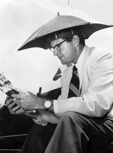 Umbrella On Head:ニュース(壁紙.com)