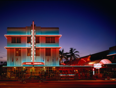 Miami「USA,Florida,Miami,Art Deco Historic District,Fairmont Hotel at night」:スマホ壁紙(4)