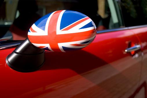 Sports Car「British flag on car wing mirror」:スマホ壁紙(2)